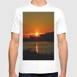 Sunset Over Columbia River At Astoria Harbor T-shirt