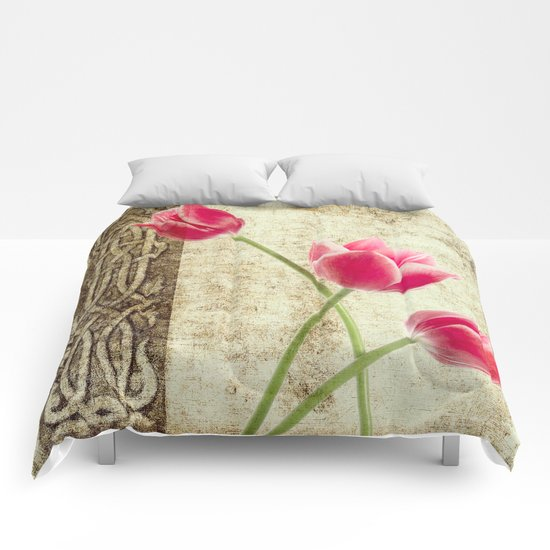 vintage flowed  Comforters