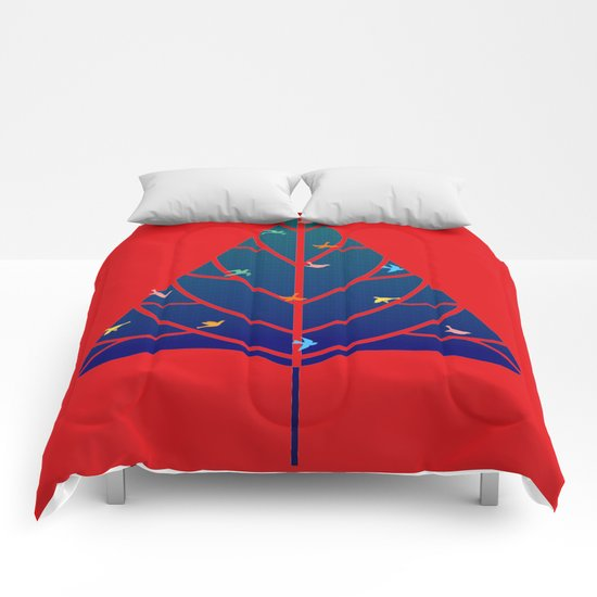 Tree with birds (blue-red) Comforters