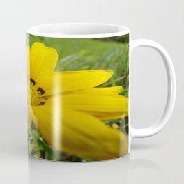 yellow feeling Coffee Mug