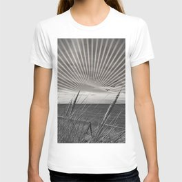 Before the storm - sunset graphic T-shirt