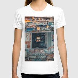 Cafe Bahamas decoration T-shirt