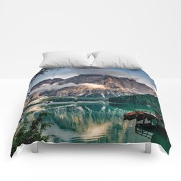 Italy mountains lake Comforters