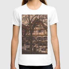old half-timbered house with restaurant ( Ulm - Fischerviertel ) T-shirt