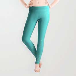 Sparkling gold glitter confetti on aqua teal damask background Leggings