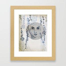 Elle était là Framed Art Print