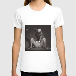 The Cane - Nude woman whipped T-shirt