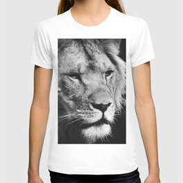 African Lion Black and White Photographic Print T-shirt