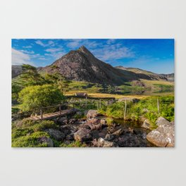Tryfan Mountain Valley Canvas Print