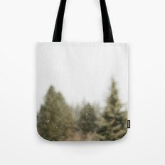Must Love Snow Tote Bag
