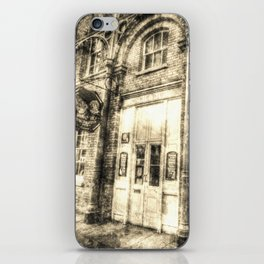 The Punch And Judy Pub Covent Garden Vintage iPhone Skin