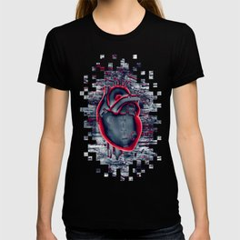Gamer Heart BLUE CRIMSON / 3D render of mechanical heart T-shirt