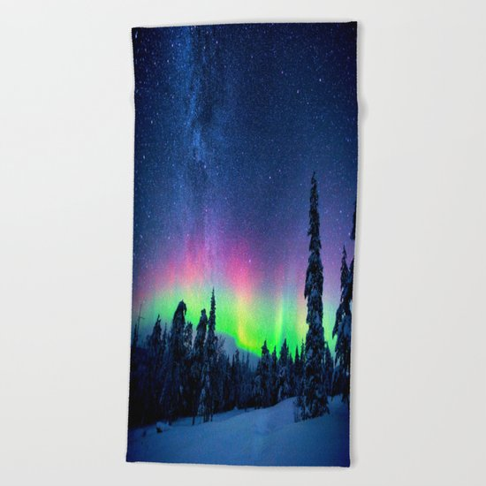 Aurora Borealis Over Wintry Mountains Beach Towel