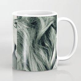 Frau Dreiecke 2 Coffee Mug