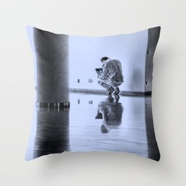 wireless emotions Throw Pillow