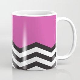 Mustavalko siksak purppuralla pohjalla Coffee Mug