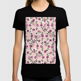 romantic rose pattern oval – countrystyle flowers T-shirt