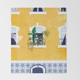Lisbon girl Throw Blanket