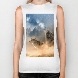 Wolfs under the mountain's sky Biker Tank