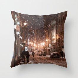 New York Snow Throw Pillow