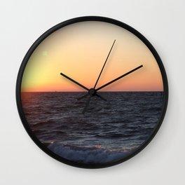 Sonnenaufgang am Meer Wall Clock