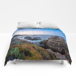 Coastline - The Beauty of Big Sur at Sunrise Comforters