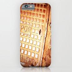walking in the street Slim Case iPhone 6s