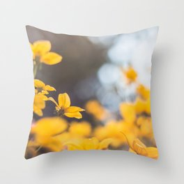 Dreaming in yellow Throw Pillow