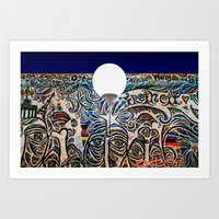 Balloon S2663 on the 25th anniversary of the Berlin wall teardown at the East Side Gallery Art Print