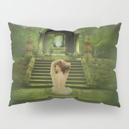The druidesse rests Pillow Sham