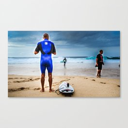 Kelly Slater about to go surf Pipeline, Hawaii.  Canvas Print