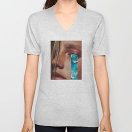"""Collage """"CRY ME A RIVER"""" Unisex V-Neck"""