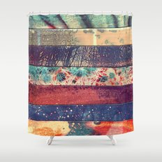 DESCONCIERTO Shower Curtain