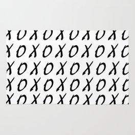 X O PATTERN Rug