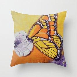 Butterfly royal | Papillon royal Throw Pillow