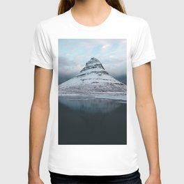 Iceland Mountain Reflection - Landscape Photography T-shirt