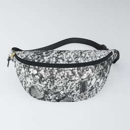 Sand and shells in black and white Fanny Pack