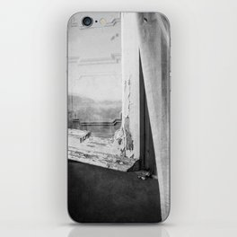 I am a visitor - A window in Tuscany iPhone Skin
