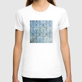 Vintage Antique Blue Wallpaper Pattern T-shirt