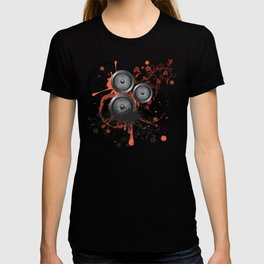 Loudspeaker with splatters and floral T-shirt