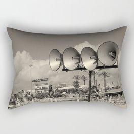 On entend ? Rectangular Pillow
