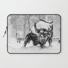 The Charging Bull, In the snow. Laptop Sleeve