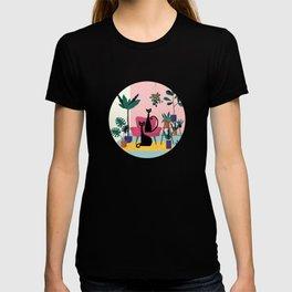 Sleek Black Cats Rule In This Urban Jungle T-shirt