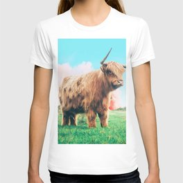 Highland Cow #society6 #decor #buyart T-shirt