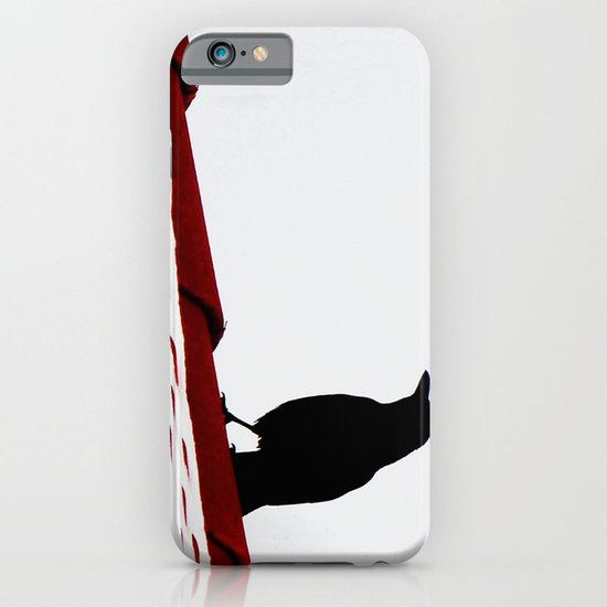 Krähe auf dem Dach iPhone & iPod Case