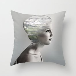 There is an ocean i my soul Throw Pillow