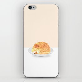 Kitty on plate iPhone Skin