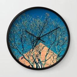Fantasía (en azul y amarillo) Wall Clock