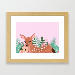 Biche tropical Framed Art Print