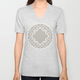 Classic Quatrefoil pattern, warm grey Unisex V-Neck